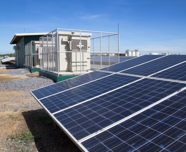 Aumenta fabricación de inversores solares en India