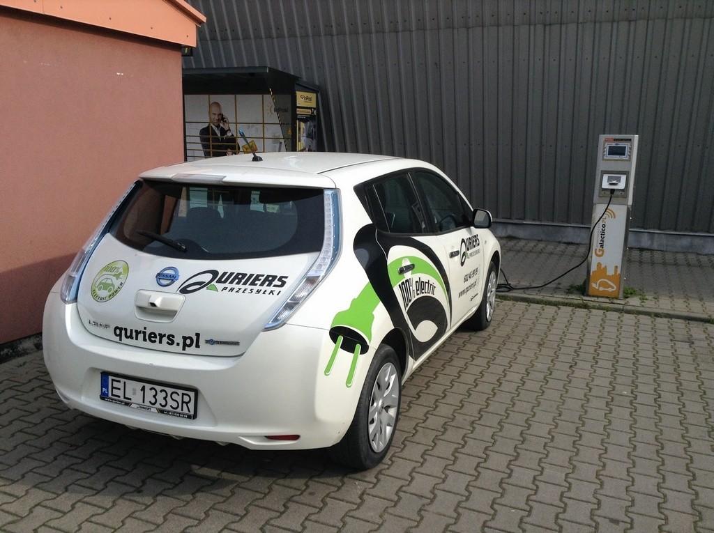Polonia planifica un millón de vehículos eléctricos en sus carreteras para 2025